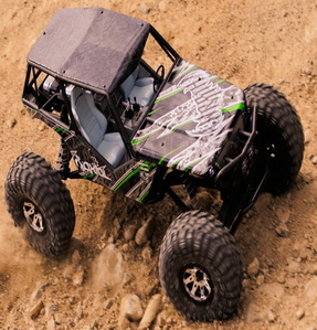 [AX90018-R] Axial Wraith 1/10th Scale Electric 4WD RTR - 3채널 송수신기 포함 RTR 제품입니다
